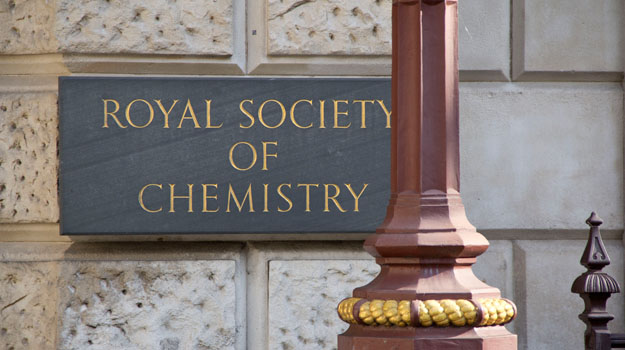 Trinity Professor Receives Award From Royal Society Of Chemistry For DNA Research